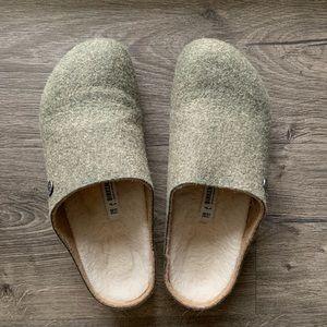 Birkenstock Shoes - NWB Birkenstock Olive colored clogs